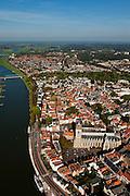 Nederland, Overijsssel, Deventer, 03-10-2010; overzicht binnenstad met Sint-Lebuiniskerk en spoorbrug over de IJssel..Town centre with St. Lebuiniskerk and river IJssel..luchtfoto (toeslag), aerial photo (additional fee required).foto/photo Siebe Swart