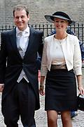 Prinsjesdag 2013 - Aankomst Parlementariërs bij de Ridderzaal op het Binnenhof.<br /> <br /> Op de foto:  vicepremier Lodewijk Asscher - Minister van SZW en partner