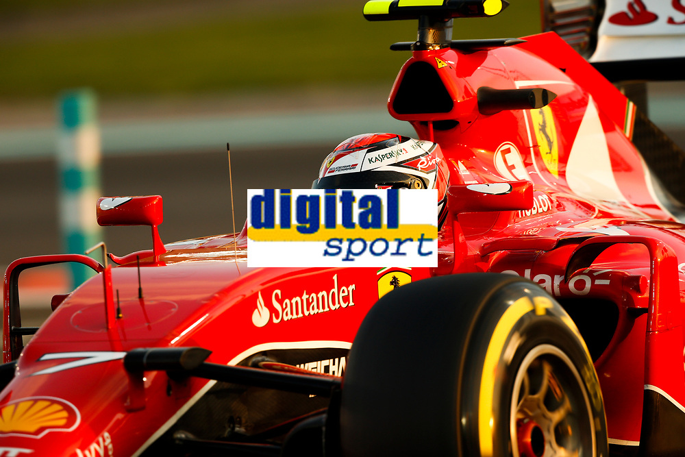 Motor / F1 / Formel1 / Formel 1<br /> Foto: Dppi/Digitalsport<br /> NORWAY ONLY<br /> <br /> RAIKKONEN kimi (fin) ferrari sf15t action during the 2015 Formula One World Championship, Abu Dhabi Grand Prix from November 27th to 29th 2015 in Yas Marina.