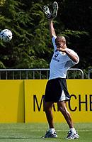 Photo Aidan Ellis.<br />Nike Campus in Portland Oregon USA. (24/07/03).<br />Juan Sebastian Veron avoids the ball whilst training at the Nike campus