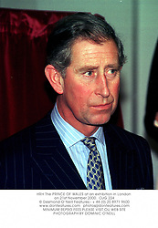 HRH The PRINCE OF WALES at an exhibition in London on 21st November 2000.		OJG 224