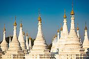 Some of the many towers around the Budha in the Sanda Muni pagoda