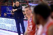 DESCRIZIONE : Pistoia Lega A 2015-2016 Giorgio Tesi Group Pistoia EA7 Emporio Armani Milano<br /> GIOCATORE : Jasmin Repesa<br /> CATEGORIA : allenatore schema<br /> SQUADRA : EA7 Emporio Armani Milano<br /> EVENTO : Campionato Lega A 2015-2016<br /> GARA : Giorgio Tesi Group Pistoia EA7 Emporio Armani Milano<br /> DATA : 14/02/2016<br /> SPORT : Pallacanestro<br /> AUTORE : Agenzia Ciamillo-Castoria/Max.Ceretti<br /> GALLERIA : Lega Basket A 2015-2016<br /> FOTONOTIZIA : Pistoia Lega A 2015-2016 Giorgio Tesi Group Pistoia EA7 Emporio Armani Milano<br /> PREDEFINITA :