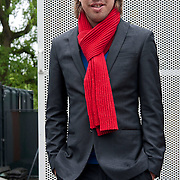 Amsterdam, 3 juni 2012 - Op zondag 3 juni 2012 ging het nieuwe seizoen van het Vondelpark Openluchttheater van start. De officiele opening werd verricht door standup comedien en cabaretier Jan Jaap van der Wal. Foto JOVIP/JOHN VAN IPEREN