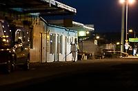 Bialystok, 07.04.2020. Nocne odkazanie Gieldy Rolno-Towarowej przy ulicy Andersa w zwiazku z zagrozeniem epidemia koronawirusa i przewidywanym duzym przedswiatecznym ruchem zakupowym fot Michal Kosc / AGENCJA WSCHOD