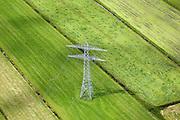 Nederland, Utrecht, Maartensdijk, 12-06-2009; Polder De Kooi, hoogspanninsmast in het weiland, onderdeel van het 150 kV landelijke koppelnet.Swart collectie, luchtfoto (25 procent toeslag); Swart Collection, aerial photo (additional fee required); .foto Siebe Swart / photo Siebe Swart
