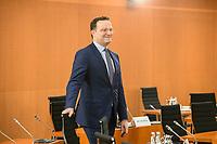 02 SEP 2020, BERLIN/GERMANY:<br /> Jens Spahn, CDU, Bundesgesundheitsminister, vor Beginn einer SItzung des Kabinetts im grossen Sitzungssaal, der aufgrund der Corona-Vorgaben fuer die Kabinettsitzung genutzt wird, Budneskanzleramt<br /> IMAGE: 20200902-01-014<br /> KEYWORDS: Sitzung, Kabinett