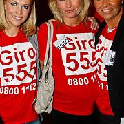 NLD/Hilversum/20100121 - Benefietactie voor het door een aardbeving getroffen Haiti, Nance Coolen, zwangere Wendy van Dijk en Dyanne Beekman