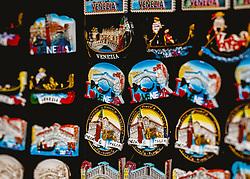 THEMENBILD - Souvenirs und Magnete von Venedig, aufgenommen am 05. Oktober 2019 in Venedig, Italien // Souvenirs and magnets from Venice, in Venice, Italy on 2019/10/05. EXPA Pictures © 2019, PhotoCredit: EXPA/Stefanie Oberhauser
