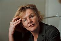 19 JAN 2001, BERLIN/GERMANY:<br /> Margareta Wolf, Parl. Staatssekretaerin beim Bundeswirtschaftsministerium, waehrend einem Interview, in ihrem Buero, Bundeswirtschaftsministerium<br /> IMAGE: 20010119-02/01-12<br /> KEYWORDS: Staatssekretärin, Büro
