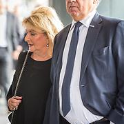 NLD/Amsterdam/20171014 - Besloten erdenkingsdienst overleden burgemeester Eberhard van der Laan, Benno Leeser en partner Kitty