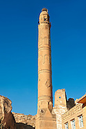El Rizk Mosque – The Mosque was built in 1409 by the Ayyubid sultan Süleyman and stands on the bank of the Tigris River. It has Kufic incriptions & decorations. Hasankeyf, Turkey 2 .<br /> <br /> If you prefer to buy from our ALAMY PHOTO LIBRARY  Collection visit : https://www.alamy.com/portfolio/paul-williams-funkystock/hasankeyf-turkey.html<br /> <br /> Visit our PHOTO COLLECTIONS OF TURKEY HISTOIC PLACES for more photos to download or buy as wall art prints https://funkystock.photoshelter.com/gallery-collection/Pictures-of-Turkey-Turkey-Photos-Images-Fotos/C0000U.hJWkZxAbg
