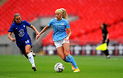 Fran Kirby of Chelsea Women competes with Chloe Kelly of Manchester City Women- Mandatory by-line: Nizaam Jones/JMP - 29/08/2020 - FOOTBALL - Wembley Stadium - London, England - Chelsea v Manchester City - FA Women's Community Shield