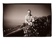 Photo argentique scannée noir-blanc Leica, pour Association Clos, Domaines & Châteaux Calendrier 2020 (STUDIO_54/ OLIVIER MAIRE)