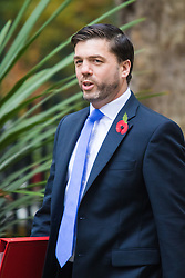 Downing Street, London, October 27th 2015.  Welsh Secretary Stephen Crabb arrives at 10 Downing Street to attend the weekly cabinet meeting. /// Licencing: Paul Davey tel: 07966016296 or 02089696875 paul@pauldaveycreative.co.uk www.pauldaveycreative.co.uk