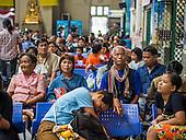 Post Songkran Travelers at Hua Lamphong