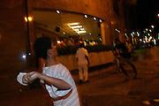 Sao Paulo, 20 de maio de 2005. Conflito da Policia Militar com os camelos da capital paulista. FOLHA. FOTO: Leo Drumond / Agencia Nitro.