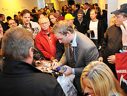 08.10.2011, O2 World, Berlin, Linz, GER, NHL, Buffalo Sabres vs LA Kings, im Bild Thomas Vanek (Buffalo Sabres, #26) with some fans after the game, during the Compuware NHL Premiere, O2 World Berlin, Berlin, Germany, 2011-10-08, EXPA Pictures © 2011, PhotoCredit: EXPA/ Reinhard Eisenbauer