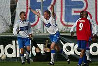 Fotball - Skeid - FK Haugesund 1-2, Vollsløkka. F.v. Ronny Espedal, Odd Helge Bygnes og Bala Garba jubler for 0-2 målet til Bygnes. Med ryggen til Chris Twiddy, Skeid.<br /> <br /> Foto: Andreas Fadum, Digitalsport