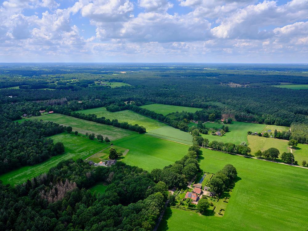 Nederland, Gelderland, Gemeente Lochem, 21–06-2020; landelijk landschap tussen Ommen en Zutphen (Kwartier Zutphen), onderdeel van de Achterhoek. Wildenborch tussen Lochem en Vorden.<br /> Rural landscape between Ommen and Zutphen (Quarter Zutphen).<br /> <br /> luchtfoto (toeslag op standaard tarieven);<br /> aerial photo (additional fee required)<br /> copyright © 2020 foto/photo Siebe Swart