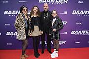 Premiere Baantjer Het Begin, in DeLaMar Theater Amsterdam.<br /> <br /> Op de foto:  Ruben van der Meer met partner Sally Lodewijks en dochters