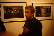 Andy Summers. Andy Summers photography exhibition. Beaux Arts Gallery. Cork St. 5 April 2005.  ONE TIME USE ONLY - DO NOT ARCHIVE  © Copyright Photograph by Dafydd Jones 66 Stockwell Park Rd. London SW9 0DA Tel 020 7733 0108 www.dafjones.com