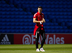 CARDIFF, WALES - Sunday, September 6, 2020: Wales' Kieffer Moore inspects the pitch before the UEFA Nations League Group Stage League B Group 4 match between Wales and Bulgaria at the Cardiff City Stadium. (Pic by David Rawcliffe/Propaganda)