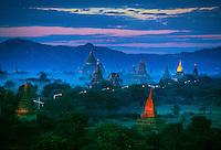 Sunrise on the temples of Bagan (Pagan), Bagan, Myanmar (Burma)