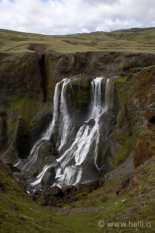 Fagrifoss, in the highlands of Iceland - Fagrifoss við Lambatungur