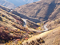 Rattlesnake Grade descends into the Grande Ronde River Canyon, WA, USA