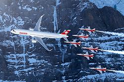 16.01.2020, Lauberhorn, Wengen, SUI, FIS Weltcup Ski Alpin, Vorberichte, im Bild Airbus A320 und Patrouille Suisse mit F/A-18 Swiss Hornet in Hintergrund die Eiger Nordwand // Airbus A320 and Patrouille Suisse with F/A-18 Swiss Hornet in front of Nord Face during a preliminary reports prior to the FIS ski alpine world cup at the Lauberhorn in Wengen, Switzerland on 2020/01/16. EXPA Pictures © 2020, PhotoCredit: EXPA/ Johann Groder