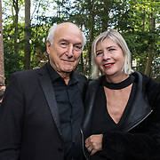 NLD/Hilversum/20181008 - Boekpresentatie autobiografie Peter Koelewijn, Peter Koelewijn en partner Els