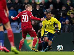 Kevin Mensah (Brøndby IF) og Marcel Rømer (Lyngby BK) under kampen i 3F Superligaen mellem Brøndby IF og Lyngby Boldklub den 1. marts 2020 på Brøndby Stadion (Foto: Claus Birch).