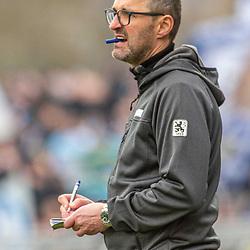 im Bild: Muenchens Trainer Michael Koellner<br />  beim Spiel in der 3. Liga, FC Carl Zeiss Jena - TSV 1860 München.<br /> <br /> Foto © PIX-Sportfotos *** Foto ist honorarpflichtig! *** Auf Anfrage in hoeherer Qualitaet/Aufloesung. Belegexemplar erbeten. Veroeffentlichung ausschliesslich fuer journalistisch-publizistische Zwecke. For editorial use only. DFL regulations prohibit any use of photographs as image sequences and/or quasi-video.
