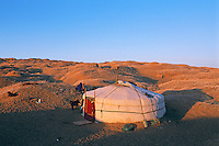 Mongolie. Desert de Gobi. Region de Dalanzadgad. Village de Moron. // Mongolia. Gobi desert. Dalanzadgad area. Moron village.