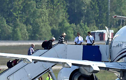 May 31, 2016 - Stockholm, Sweden - Hollywood Vampires,  leave Sweden in a jet from Arlanda airport. Johnny Depp greets the pilot (Credit Image: © AftonbladetIBL via ZUMA Wire)