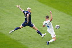 Scotland's Lyndon Dykes (left) shoots wide during the UEFA Euro 2020 Group D match at Hampden Park, Glasgow. Picture date: Monday June 14, 2021.