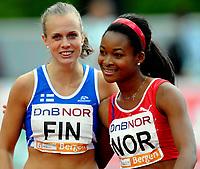 Friidrett<br /> 20. Juni 2009<br /> European Team Championships 1. st Leauge<br /> Fana Stadion<br /> 100 m<br /> Sari Keskitalo , Finland<br /> Ezinne Okparaebo , Norge<br /> Foto : Astrid M. Nordhaug