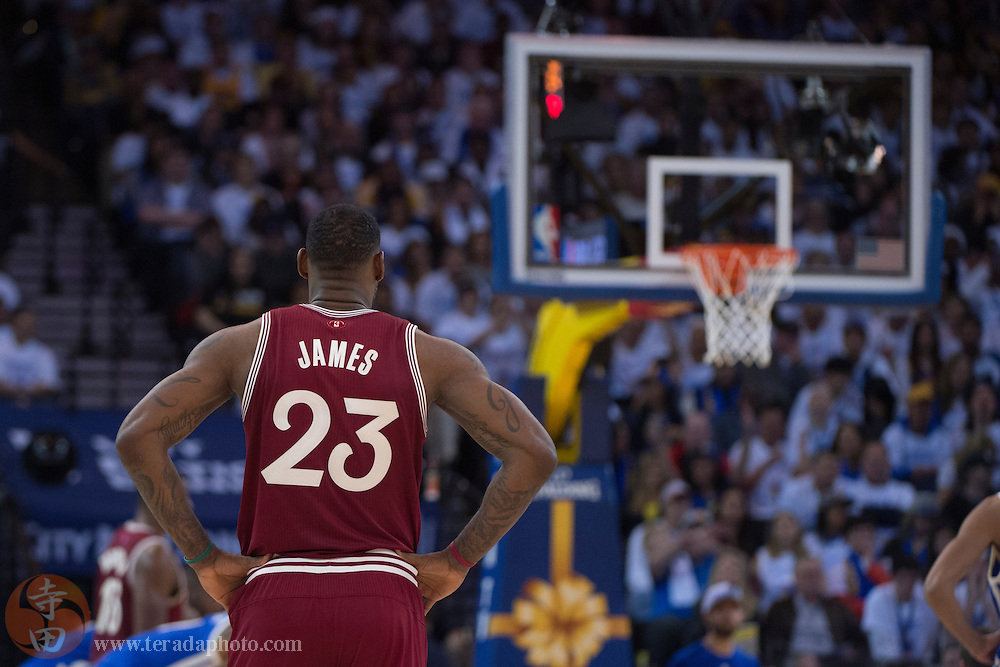 December 25, 2015; Oakland, CA, USA; Cleveland Cavaliers forward LeBron James (23) during the third quarter in a NBA basketball game on Christmas against the Golden State Warriors at Oracle Arena. The Warriors defeated the Cavaliers 89-83.
