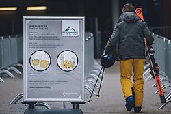 THEMENBILD - Coronavirus Massnahmen am Skigebiet Kitzsteinhorn, aufgenommen am 21. Oktober 2020 in Kaprun, Österreich // Coronavirus measures at the Kitzsteinhorn ski resort, Kaprun, Austria on 2020/10/21. EXPA Pictures © 2020, PhotoCredit: EXPA/ JFK