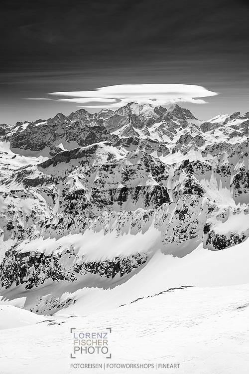 Blick auf die Bernina vom Fuss des Piz Platta aus gesehen, Surses, Graubünden, Schweiz / <br /> <br />  View of the Bernina from the foot of Piz Platta, Surses, Grisons, Switzerland