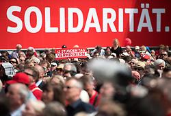 """01.05.2018, Rathausplatz, Wien, AUT, SPÖ, Traditioneller Maiaufmarsch am Tag der Arbeit unter dem Motto """"Zeit für mehr Solidarität"""". im Bild Feature Schild """"12 Stunden Tag Verhindern"""" vor Banner """"Solidarität"""" // during labour day celebration of the austrian social democratic party at Rathausplatz in Vienna, Austria on 2018/05/01. EXPA Pictures © 2018, PhotoCredit: EXPA/ Michael Gruber"""