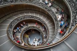 Rome 2013 - Musei Vaticani - Rome 2013 - Musei Vaticani - Scala elicoidale ideata da Giuseppe Momo nel 1932.<br /> Vatican Museum - Spiral staircase designed by Giuseppe Momo in 1932.