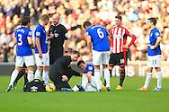 Gareth Barry of Everton in pain before his substitution - Sunderland vs. Everton - Barclay's Premier League - Stadium of Light - Sunderland - 09/11/2014 Pic Philip Oldham/Sportimage