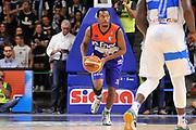 DESCRIZIONE : Campionato 2014/15 Dinamo Banco di Sardegna Sassari - Enel Brindisi<br /> GIOCATORE : Elston Turner<br /> CATEGORIA : Passaggio<br /> SQUADRA : Enel Brindisi<br /> EVENTO : LegaBasket Serie A Beko 2014/2015<br /> GARA : Dinamo Banco di Sardegna Sassari - Enel Brindisi<br /> DATA : 27/10/2014<br /> SPORT : Pallacanestro <br /> AUTORE : Agenzia Ciamillo-Castoria / Luigi Canu<br /> Galleria : LegaBasket Serie A Beko 2014/2015<br /> Fotonotizia : Campionato 2014/15 Dinamo Banco di Sardegna Sassari - Enel Brindisi<br /> Predefinita :