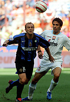Milano 28/8/2005 Serie A 2005/2006 Inter - Treviso 3-0<br /> <br /> Esteban Mattias Cambiasso Inter contrastato da Paolo Hernan Dellafiore Treviso<br /> <br /> Photo Graffiti