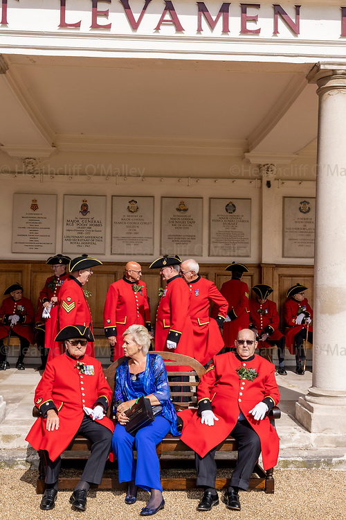 Mcc0101242 . Daily Telegraph<br /> <br /> DT News<br /> <br /> Founders Day at the Royal Hospital Chelsea .<br /> <br /> Founder's Day is the highlight of the Royal Hospital Chelsea's calendar, an event attended by all Chelsea Pensioners, which celebrates the founding of the Royal Hospital by King Charles II. The event has taken place almost every year since the Royal Hospital opened in 1692. <br /> <br /> <br /> 5 August 2021