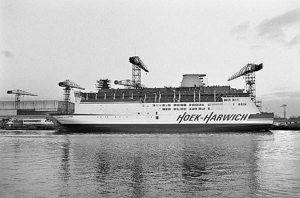 Nederland, Rotterdam, 20-10-1985Stenaline veerboot, ferry, koningin Beatrix in aanbouw bij de werf, scheepswerf van der Giessen de Noord. Het schip zal tussen Hoek van Holland en Harwich varen.Foto: Flip Franssen/Hollandse Hoogte