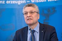 23 MAR 2020, BERLIN/GERMANY:<br /> Prof. Dr. Lothar H. Wieler, Praesident Robert-Koch-Institut, waehrend einem Pressebriefing zur aktuelle Entwicklungen des Corona-Virus, COVID-19, Hoersaal, Robert-Koch-institut<br /> IMAGE: 20200323-01-004<br /> KEYWORDS: Pandemie