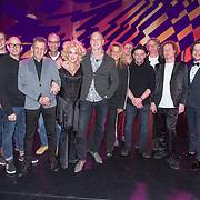 NLD/Zaandam/20190219- Première Karin Bloemen Souvenirs, Karin Bloemen en partner Marnix Busstra en bandleden
